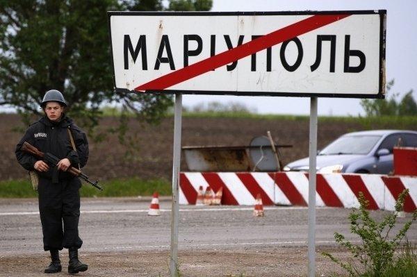 Поки депутати відпочивають: жителі Маріуполя вирішили самотужки боротися з агресією РФ