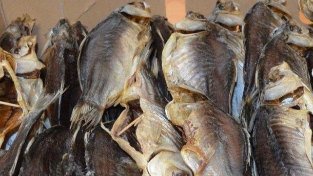 Спалах ботулізму у Запоріжжі: перевіряють магазини та вуличних торговців