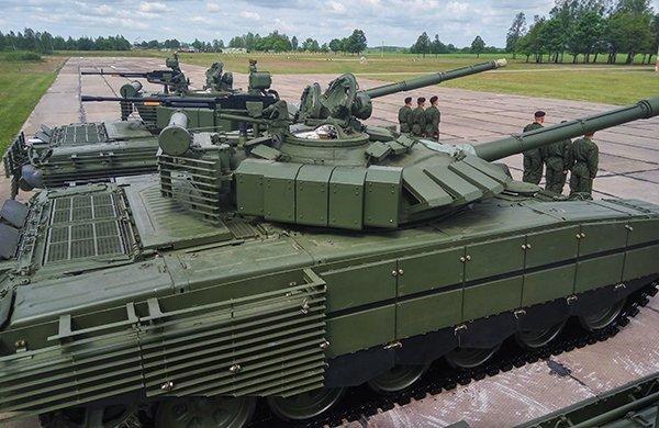 Белорусская армия получила модернизированные российские танки, опубликованы фото