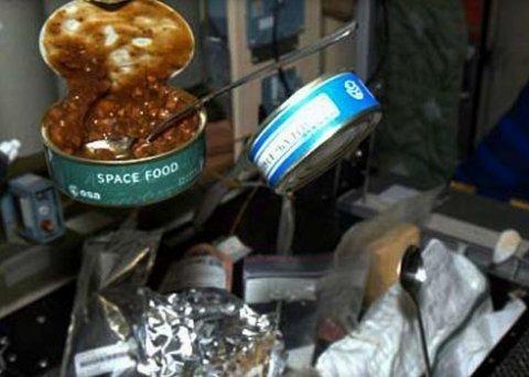 Космонавтам на МКС відправили ковбаски з хроном