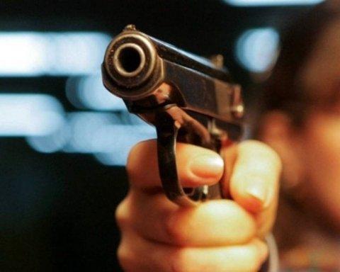 Мотоцикліст розстріляв водія автобусу  у Києві