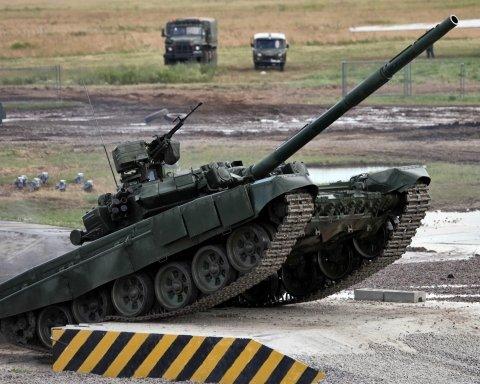 У Дагестані перекинулася фура з російським танком, оприлюднено відео