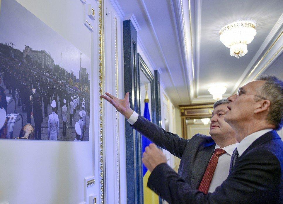 Порошенко повідомив про плани вступу України до НАТО