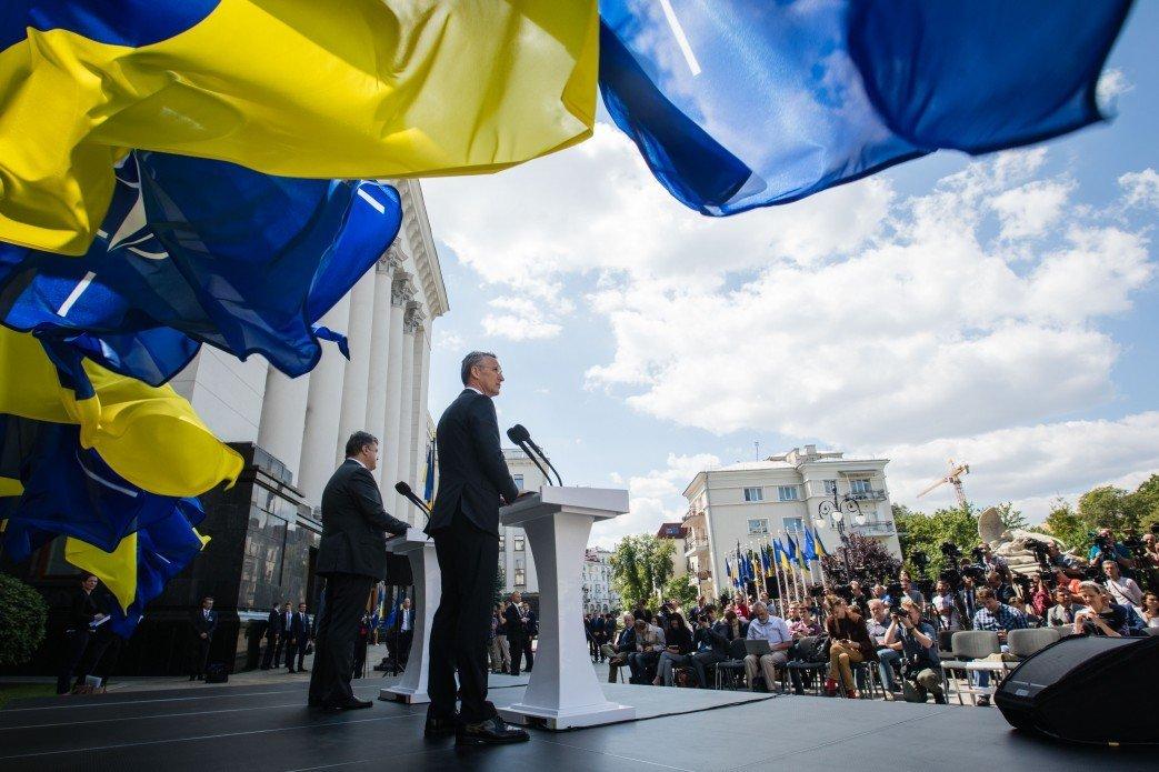 Столтенберг назвал условия для членства Украины вНАТО
