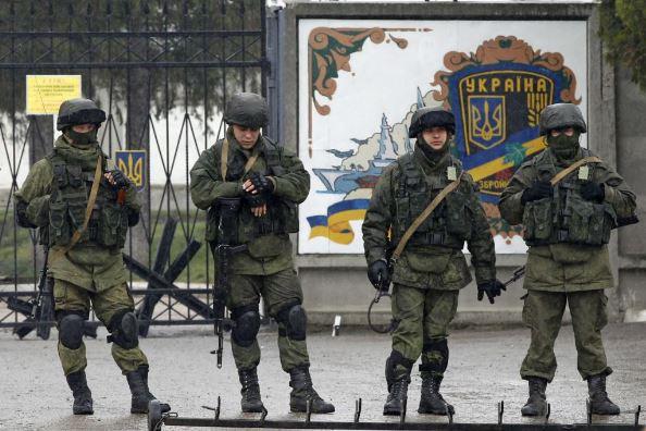 У Порошенко рассказали о стратегии возвращения Донбасса и Крыма