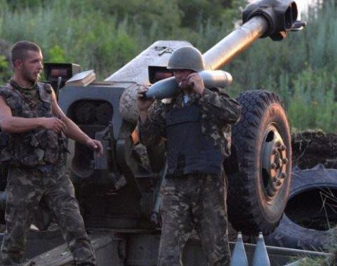 Сутки в ООС: 29 обстрелов, ранение получил  украинский воин