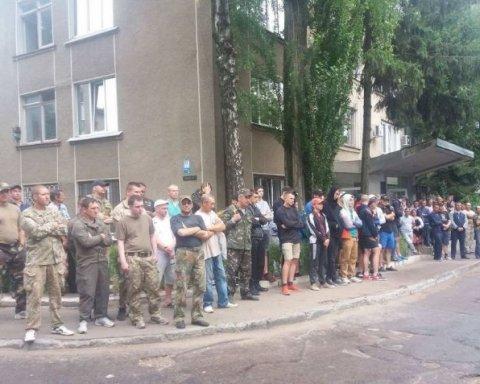 АТОшники перекрыли трассу в Житомирской области: появились фото