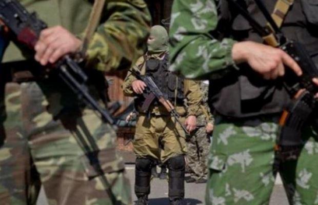 Планировали теракты против мирного населения: тайник боевиков обнаружили на Донбассе
