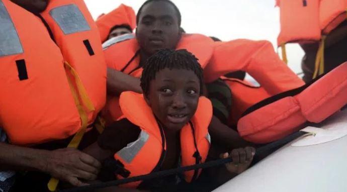 Гражданское судно утонуло в Центральной Африке погибли десятки человек