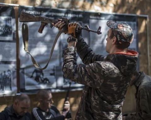Боевики массово «режут» на металлолом вышки мобильной связи