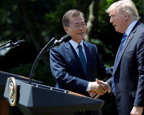 Президент США Дональд Трамп і президент Південної Кореї Мун Чже Ін