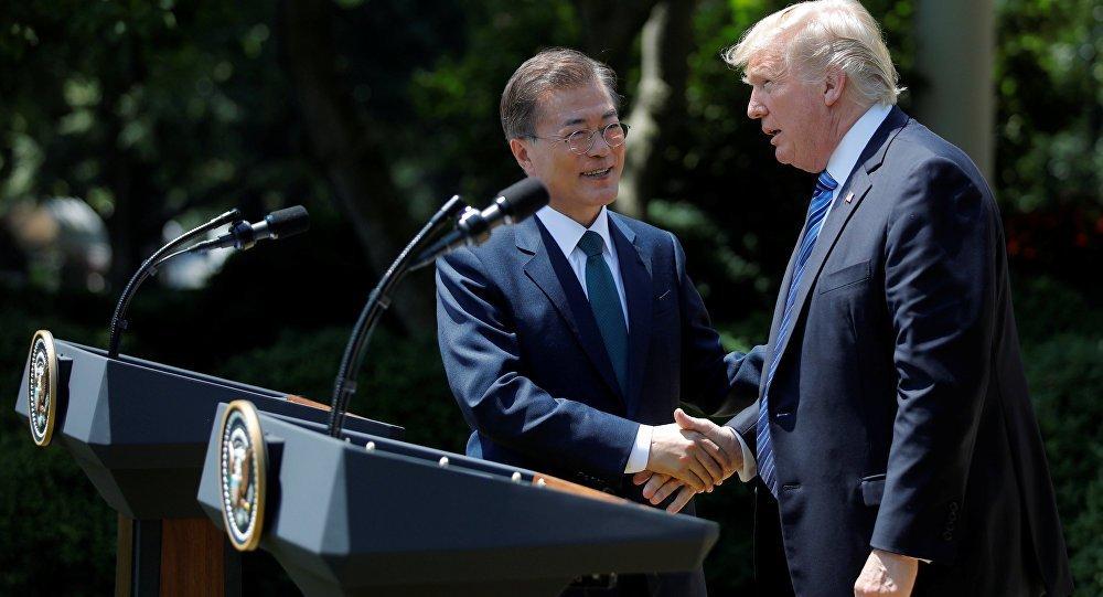 Трамп закликав посилити вплив на КНДР: терпіння закінчилося