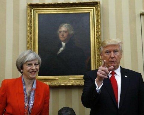 Трамп з британським прем'єр-міністром Терезою Мей