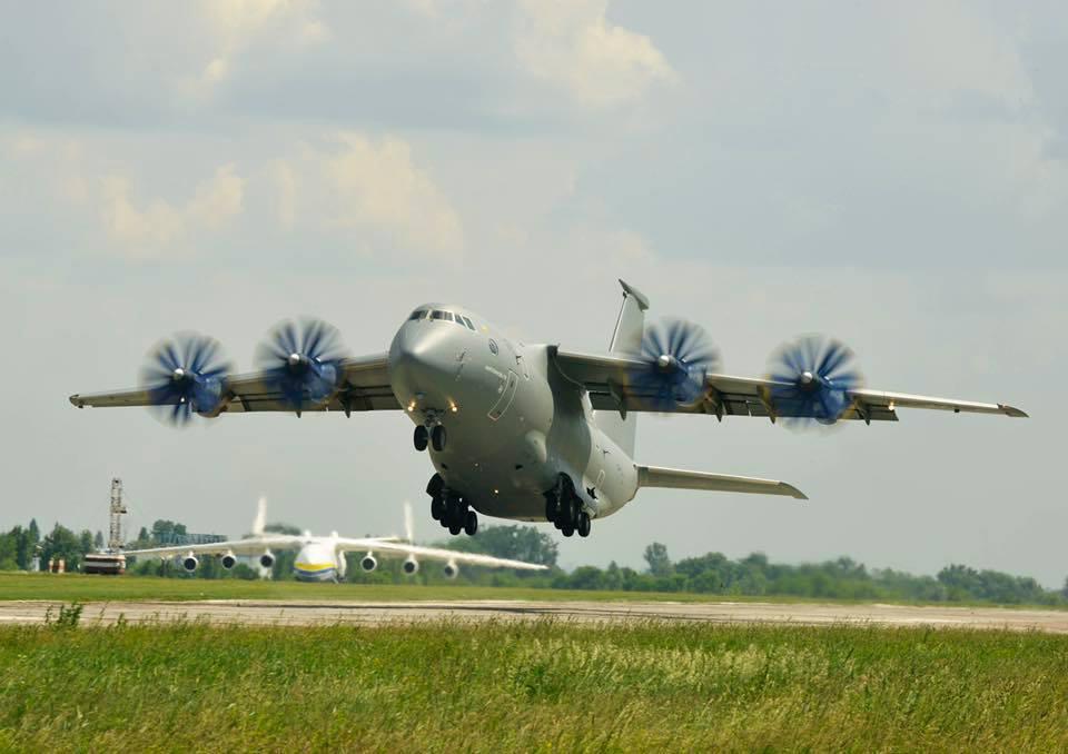«Антонов» предложил США построить новый транспортный самолет Ан-77