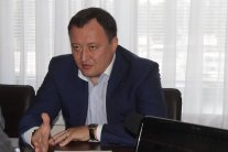"""Мільйони готівки та тисячі метрів житла: як губернатор Запоріжжя """"нажився"""" на держслужбі"""