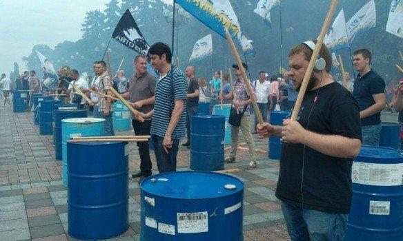 Луценко желает повторно внести представление наснятие неприкосновенности сДейдея иЛозового