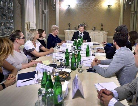 Президент України провів зустріч з родиною загиблого журналіста Павла Шеремета