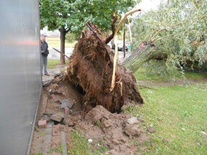 Над Польшей пронесся сильнейший ураган, есть фото