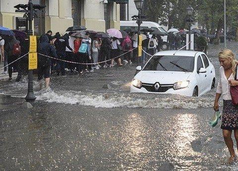 Стамбул страдает от катастрофических ливней