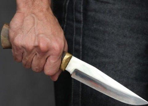 В Киеве АТОшник жестоко зарезал женщину и сделал себе харакири