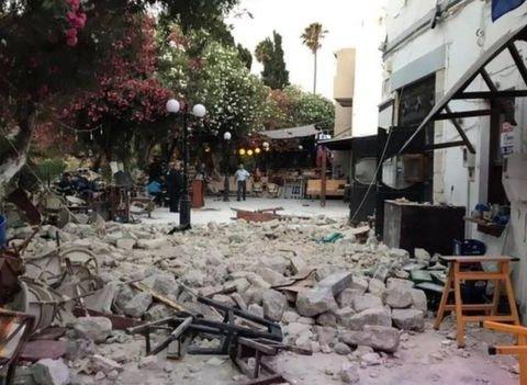 Землетрясение у берегов Греции и Турции: жертвы и сотни раненых