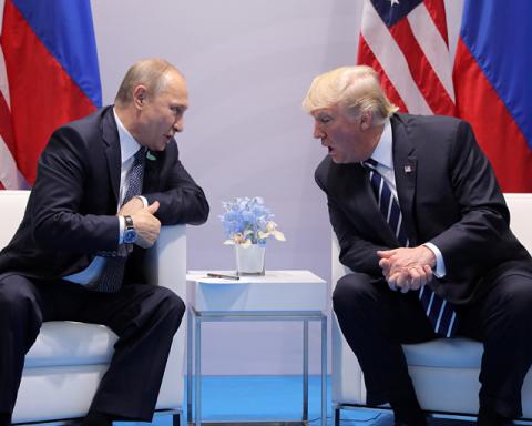 Сенатор США: Путін хоче вирішити з Трампом питання України за її спиною