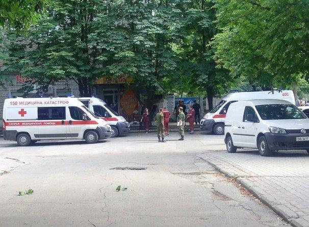 Вцентре Луганска произошел взрыв. Есть пострадавшие