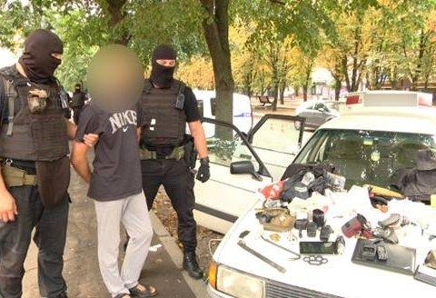 Вооруженные злоумышленники похитили и пытали женщину в Черкассах, видео