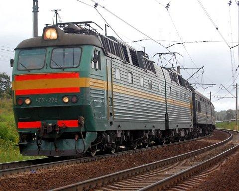 Кабмін закликали зупинити транзит вантажів з Росії