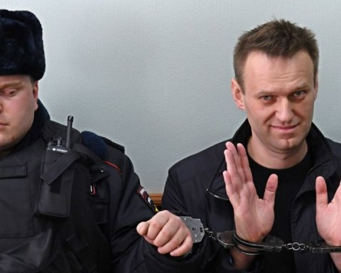Кремль веде складну гру за участі Навального – експерт