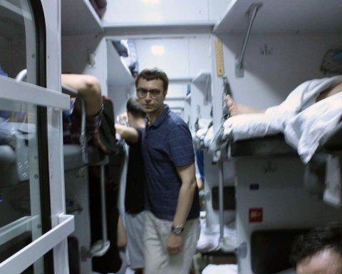 В Україні можуть зникнути плацкартні вагони