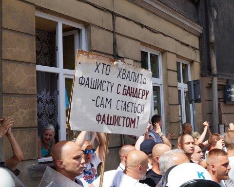 Тарас Стецькив: Польша присваивает право на Европу, за которое Украина платит кровью