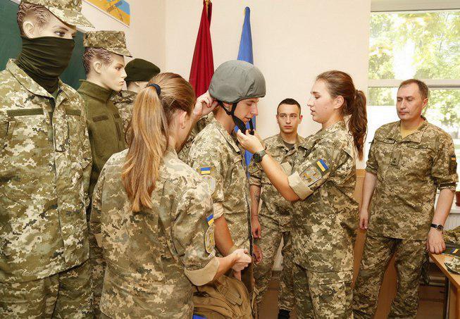 В Одессе презентовали новую дизайнерскую форму для бойцов ВСУ, есть фото