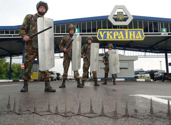 Зрадники серед нас: експерт розповів про військовослужбовців-зрадників в Криму
