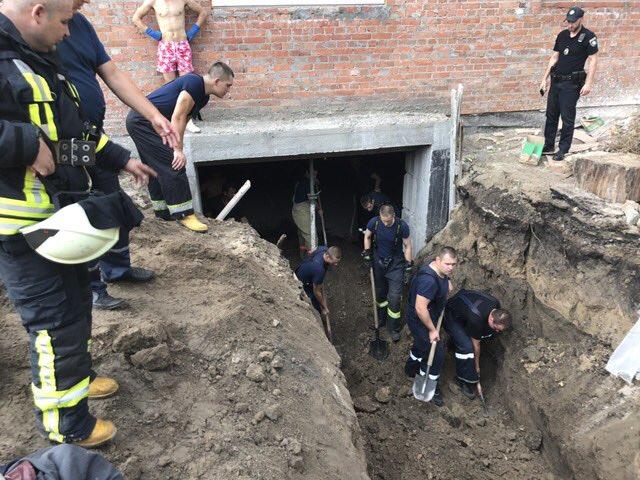 ВКиеве из-за обвала грунта настройплощадке умер мужчина