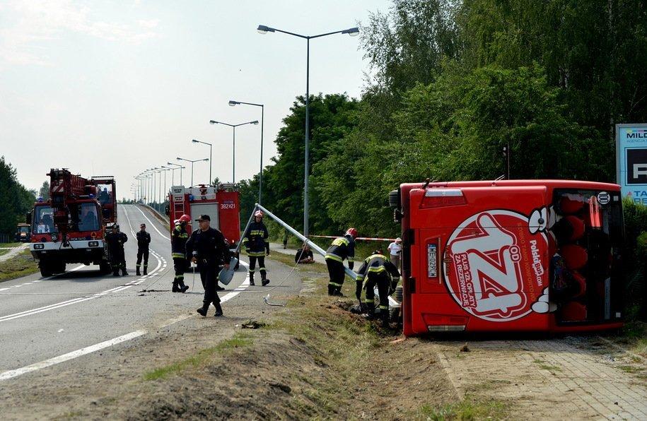 УПольщі перекинувся пасажирський автобус, 28 осіб постраждали, українців серед них немає
