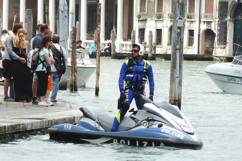 Мер Венеції: поліція стрілятиме укожного, хто кричатиме «Аллах Акбар»