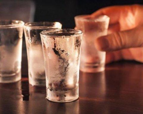 «УНН» публикует заказные статьи, приучая украинцев пить водку