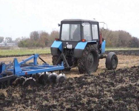 Война на Донбассе: на оккупированной боевиками «ДНР» территории взорвался трактор