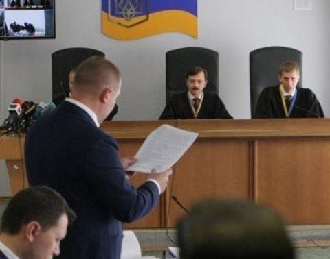 Дело о госизмене Януковича: беглый президент  получил бесплатного адвоката