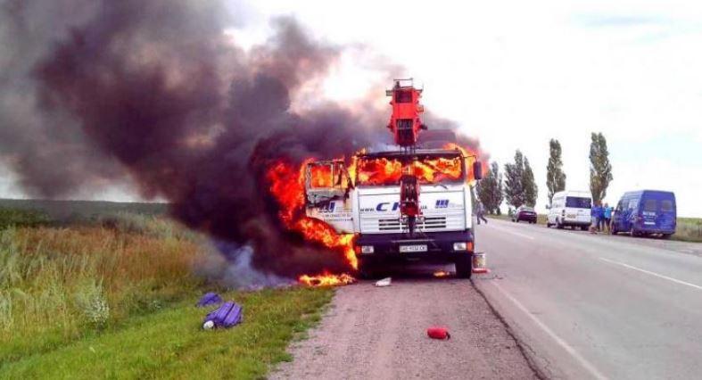 ВЗапорожской области неменее  четырех часов тушили пожар влесу