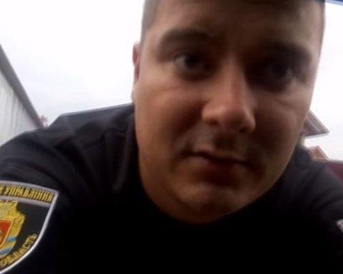 Кировоградская полиция напала на водителя за съемку на смартфон, видео