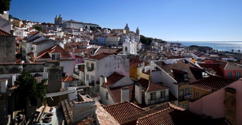 Потужний вибух пролунав у столиці Португалії: постраждали туристи, є відео