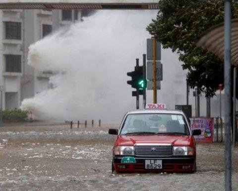 Из-за тайфуна в Южной Корее отменили авиарейсы