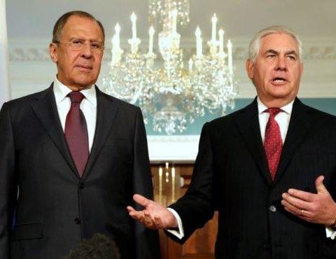 Лавров пожаловался Тиллерсону на главных американских русофобов