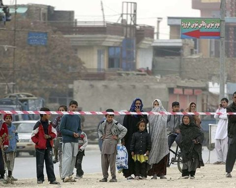 В Афганістані смертник підірвався біля мечеті, є численні жертви