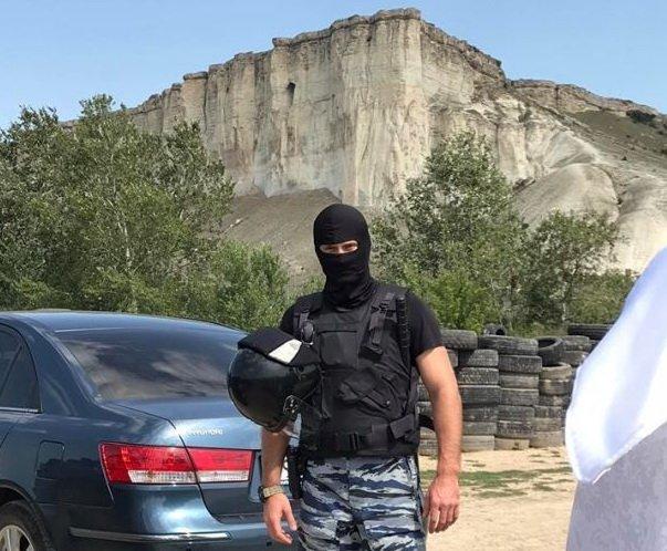 Окупанти блокували патріотичний захід татар в Криму, є фото