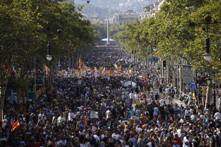 Я не боюся: у Барселоні сотні тисяч людей відповіли терористам
