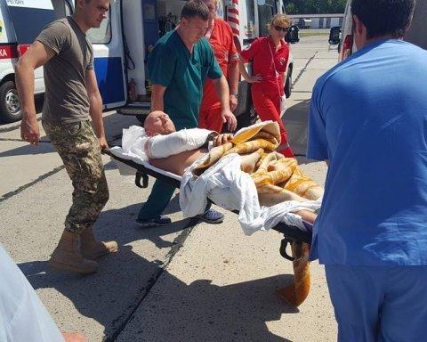 Кровавое перемирие: в Одессу привезли тяжело раненых бойцов из зоны АТО