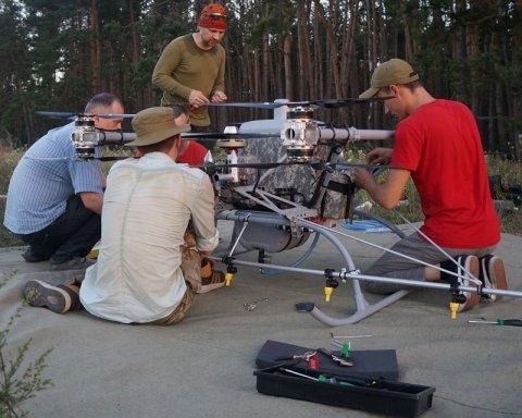 Для АТО створили бойовий дрон, здатний нести бомби вагою 50 кілограмів, є фото
